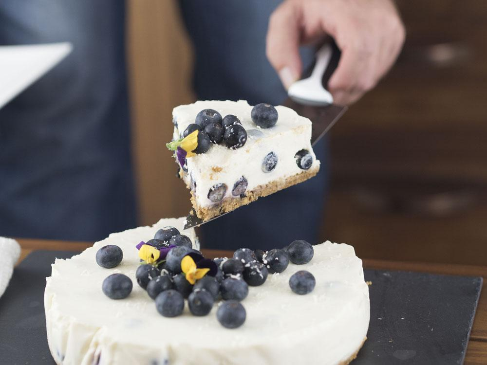canderel taste test-low-sugar-blueberry-lemon-cheesecake-recipe-13